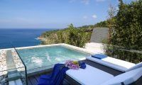Imagine hanging out here on the next family holiday... Villa Saan is a private six bedroom villa combining sophistication, luxury and elegance at its best, with the best view in Phuket! Bring the cheque book ;)