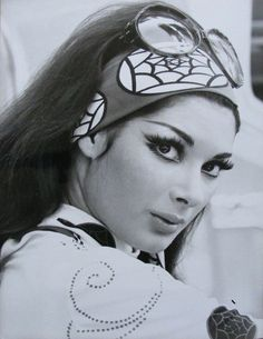 Edwige Fenech, 70's, 70s, fashion, style, trend, 70s era, street style, boho, hippie, bohemian, inspiration, 1970s www.STATEOFCHIC.com
