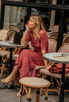 Dress Like A Parisian, Parisian Chic Style, Bohemian Style, Parisienne Chic, French Girl Style, French Chic, French Style Dresses, French Outfit, Street Style Outfits