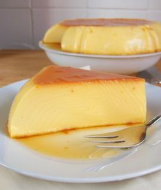 Caramel Flan like grandma - a squirrel in my kitchen - Easy And Healthy Recipes Pudding Desserts, Custard Desserts, Flan Au Caramel, Creme Caramel, Sweet Recipes, Cake Recipes, Yummy Snacks, Yummy Food, Flan Dessert