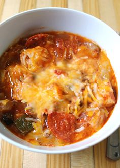 Slow Cooker Pizza Chicken - An easy, no-prep slow cooker dinner recipe! clean eating, low carb