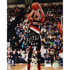 Damian Lillard Signed 8x10 Photo w/ ROY Insc Damian Lillard Steiner Authenticated Autographed 8x10 Photo-Trail Blazers Rising Star Damian Lillard has personally hand-signed this 8x10 photo and inscrib