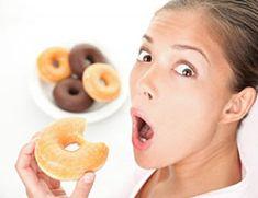 Zuckerwasser für die Hirnlosen Es scheint Hinweise zu geben, denen zufolge der Konsum von stark zuckerhaltigen Getränken zu einer ungünstigen Beeinflussung des Gehirns führt. Eine Studie diesbezüglich zeigte eine starke Zunahme von Hyperaktivitäten im Gehirn und eine Veränderung von Hunderten von Proteinen. Genau diese Veränderungen lassen sich auch bei Krebserkrankungen und Alzheimer beobachten.