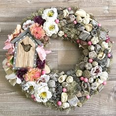Easter Wreaths, Holiday Wreaths, Christmas Decorations, Flip Flop Wreaths, Flower Fashion, Summer Wreath, Door Wreaths, Burlap Wreath, Flower Arrangements