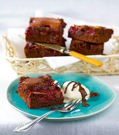 Kirsch-Brownies mit Schokosoße