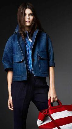 Fashion Mode, Denim Fashion, Look Fashion, Fashion Details, Fashion Outfits, Womens Fashion, Fashion Trends, Fashion Sets, Fashion Clothes