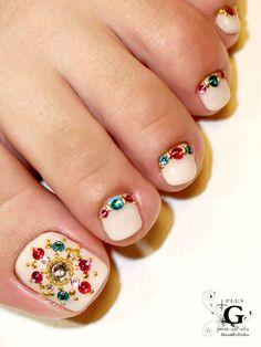 Pedicure, Toe Nail Art: Oriental bijoux foot nail