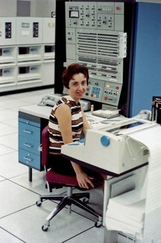 An important job ... Operator on a large-scale IBM Mainframe computer