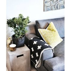 . Throw Pillows, Bed, Home, Photos, Instagram, Cushions, Pictures, House, Decorative Pillows