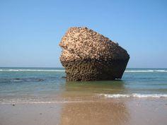 Amig@s, ¿sois capaces de decirnos dónde se encuentra esta playa? #verano #calor #playa #vacaciones - http://comorigen.com/