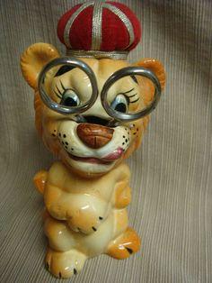 Vintage DAVAR Ceramic LION SEWING HELPER - Scissor Holder & Pin Cushion Crown