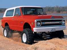 1970 K-5 Blazer - I want one of these. Could come in handy in case of EMP.