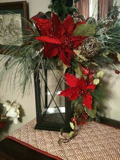 Stunning Rustic Christmas Lantern Centerpieces Ideas - Barhloew news Christmas Planters, Christmas Arrangements, Christmas Centerpieces, Outdoor Christmas, Xmas Decorations, Lantern Centerpieces, Centerpiece Ideas, Decorating Lanterns For Christmas, Candle Arrangements
