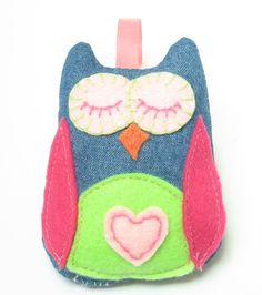 This Owl Christmas Ornament is BEYOND cute!!! So sweet! #dteam #owl #Christmas #ornament #girl #pink #denim #hipster #felt