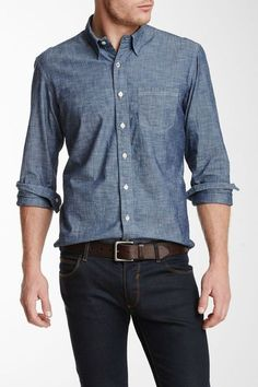 Chambray Nice jean on jean look Mens Fashion Blog, Fashion Moda, Look Fashion, Fashion Trends, Chambray Shirt Outfits, Stylish Men, Men Casual, Casual Shirts, Casual Outfits
