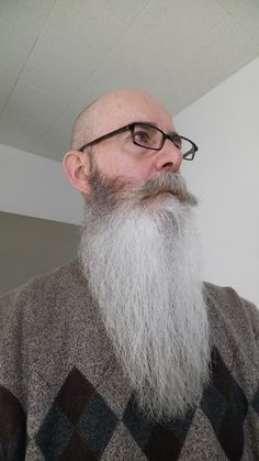 Bald With Beard, Bald Men, Beard Boy, Beard Model, Long Beards, Beard Tattoo, Beard Care, Handsome, Guys
