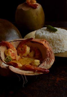 Needless to say, Daab chingri or prawns cooked in tender coconut shell is an authentic Bengali dish which has raised our Bengali food game quite high, especially our fondness for fish. A plate of hot steaming rice and freshly cooked daab chingri can easily be polished off in no time if served to us on a lazy weekend afteroon!