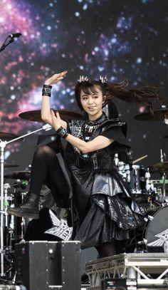 Babymetal 2019 Heavy Metal Art, Heavy Metal Bands, Black Metal, Sakura Gakuin, Moa Kikuchi, Miles Davis, Instagram Influencer, Pop Punk, My Favorite Music