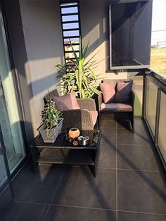The balcony of a house is useful when it keeps a balance between the interior space and the outdoor.