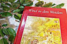 Der Wind in den Weiden ist eine Geschichte, die ich erst durch Harry Rowohlt lieben lernte.🎧 Unzählige Male habe ich mir von ihm die Geschichte um Maulwurf, Ratte, Dachs und dem eingebildeten Kröterich vorlesen lassen. 🐭🐸 Erst durch Rowohlts prägnante Stimme wurden die Tiere für mich lebendig.  #Hörbuch #harryrowohlt #buch #buecher #bücher