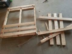 Easy Little End Tables in 2 Hours : 5 Steps (with Pictures) - Instructables Pallet End Tables, Diy End Tables, Diy Table, Side Tables, Patio Table, Backyard Patio, Free Pallets, Old Pallets, Recycled Pallets