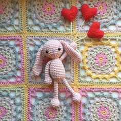 Beautiful Sunday!  A pink bunny friend sending you all lots of love. And to tell you that the pattern for the Scaapi square is now up on my blog (link in profile). Added the diagram for it also. Enjoy your day lovelies!  #crochetersofinstagram #IGHearts #craftastherapy by maritparit