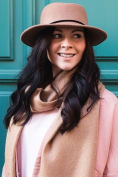 Colorful Spring Style  // zara // topshop // hm // zign // urban outfitters / bdg / blazer / blouse / shirt / scarf / camel / hat / pastell / spring trend