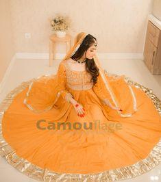 Simple Mehndi Dresses, Bridal Mehndi Dresses, Desi Wedding Dresses, Beautiful Pakistani Dresses, Couture Wedding Gowns, Pakistani Fashion Party Wear, Pakistani Wedding Dresses, Pakistani Dress Design, Lace Wedding Dress With Sleeves