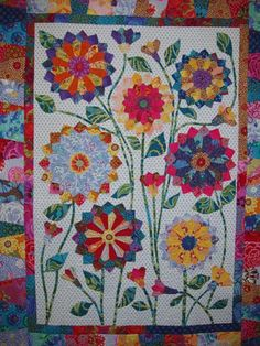 Big Blooms #applique #australia #pattern #quilt #quilt-pattern #wendy-williams #wool #wool-applique