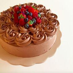 Ditte Julie Jensens Chokoladekage med karamelliseret chokoladecreme og hindbær
