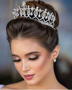 My favorite hairstyle Bridal Hair Updo, Bridal Makeup, Wedding Makeup, Crown Hairstyles, Bride Hairstyles, Quinceanera Hairstyles, Most Beautiful Faces, Marie, Hair Makeup