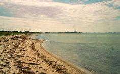 Nordiche spiagge deserte, infinite - Foto Guido Comin PoetaMatusèl  *****  Quando ricordi di un passato molto lontano si (con)fondono con dolci sogni del presente e certi timori per il futuro ...  *****  http://poetamatusel.com/2016/04/05/vagando-per-vuote-battigie/