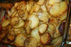 Terveellisesti valmistettua lohta ja valkosipuliperunat aivan uudella tavalla! Chili Lime, Sprouts, Food And Drink, Fish, Chicken, Meat, Vegetables, Recipes, Pisces