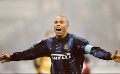Ronaldo Lima, El Fenomeno, one of the greatest players to grace the game. #Legend