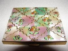 Vintage Marhill Mother of Pearl Hand Decorated Compact | eBay