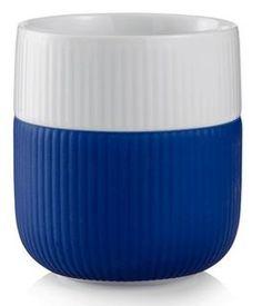 Mega blue. 33 cl.  Krus fra Royal Copenhagens Function serie. Kruset er i porcelæn, som er beklædt med et praktisk silikone båndnederst. Fås i mange flotte farver. Det ser flot ud at mikse farverne.  Royal Copenhagen yder brudgaranti - ombytning ved brud eller skår Læs mere her