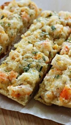 Cheesy Shrimp Ciabatta : This is an appetizer that shrimp fans will love. For out last get together I made this delicious Cheesy Shrimp Ciabatta. This is an appetizer that shrimp fans will love. In our family this is one o… Shrimp Appetizers, Shrimp Dishes, Fish Dishes, Yummy Appetizers, Appetizers For Party, Appetizer Recipes, Crab Appetizer, Shrimp Dip, Cooked Shrimp