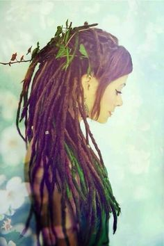 Image via We Heart It https://weheartit.com/entry/157278455 #beautifull #cute #dreadlocks #green #rastagirl
