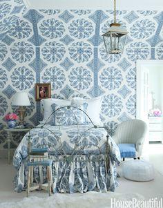 Blue bedroom. Design: Windsor Smith. Photo: Victoria Pearson. housebeautiful.com #bedrooms #paisley