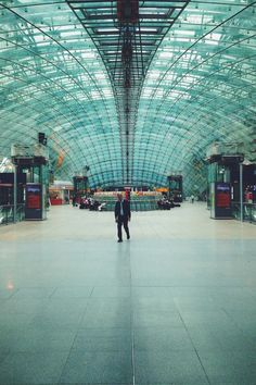 #Curved #Glass #Roof #Frankfurt #Airport #Terminal #FRA | kelox | VSCO Grid