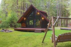 Chalets en bois www. A Frame Cabin, A Frame House, Cabin Homes, Log Homes, Cabin In The Woods, Cabins And Cottages, Cabin Rentals, Construction, Nature