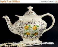 Shabby Sadler théière, Pot à thé Vintage, doré à l'or Chintz, Roses jaunes, thé anglais