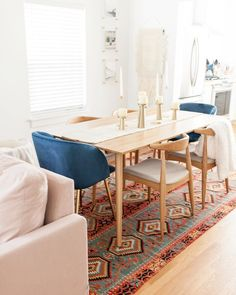Easily achieve this dining room look with our Feast and Ecole chairs. Photo by Catherine Truman. Dining Room Table Decor, Oak Dining Table, Dining Room Walls, Dining Room Design, Dining Room Furniture, Dining Chairs, Room Decor, Living Room, Arm Chairs