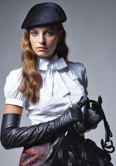 Sub girl loving elegant fashion Elegant Gloves, Gloves Fashion, Fashion Accessories, Smart Outfit, Black Leather Gloves, Long Gloves, Fetish Fashion, Women's Fashion, Jennifer Lopez