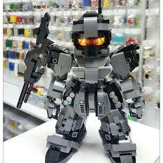 LEGO mecha build
