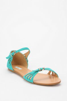 Urban Outfitters - Kimchi Blue Scallop Sandal