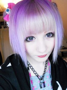 pastel goth hair and cute necklace :3