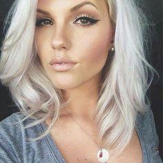 Nouvelle obsession de cheveux. Si je pouvais avoir son visage aussi, ça m'arrangerait.