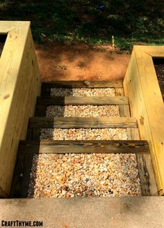 How to Make Timber and Pea Gravel Stairs • The Reaganskopp Homestead Building A Raised Garden, Raised Garden Beds, Raised Beds, Garden Yard Ideas, Garden Tools, Garden Projects, Diy Projects, Backyard Patio, Backyard Landscaping
