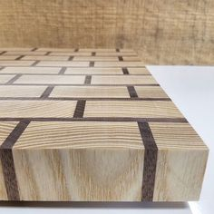 Another awesome discovery of 2016 was the use of Ash in my boards. Holy cow, it's awesome. When you pair it with walnut, like in this brick patterned board, it looks really really nice. #woodworking